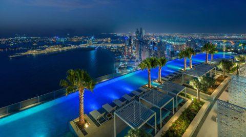 Самый высокий в мире пейзажный бассейн появился в Дубае